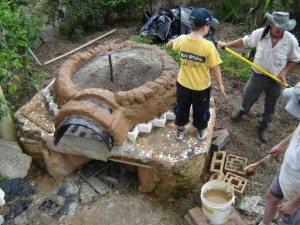 Making the cob oven